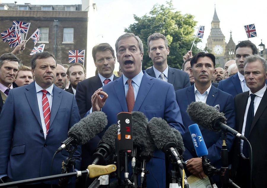 Το ψέμα του Φάρατζ για το Brexit που παραδέχτηκε ο ίδιος
