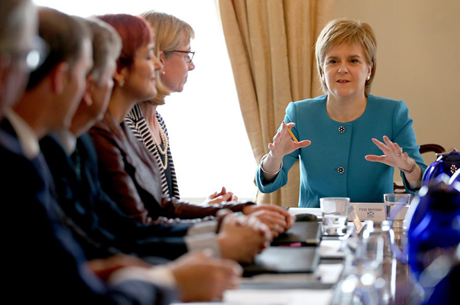 Η βουλή της Σκωτίας αναζητεί τρόπους διατήρησης της σχέσης με την ΕΕ