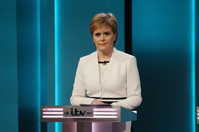 Η πρωθυπουργός της Σκωτίας συναντάται με τη ηγεσίας της ΕΕ