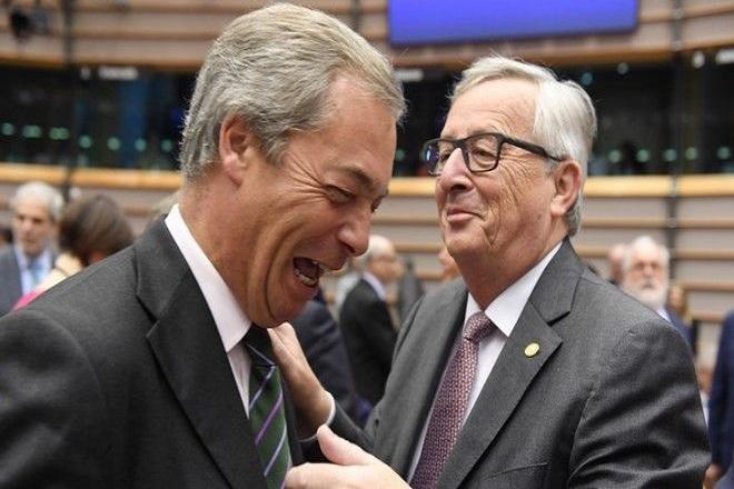 Φάρατζ: «Αρνηθείτε στη Βρετανία τις εμπορικές συναλλαγές και θα είναι σαν να φτύνετε το πρόσωπό σας»