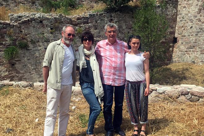 Τρεις πρωταγωνιστές του Game of Thrones κοντά στους πρόσφυγες στη Λέσβο