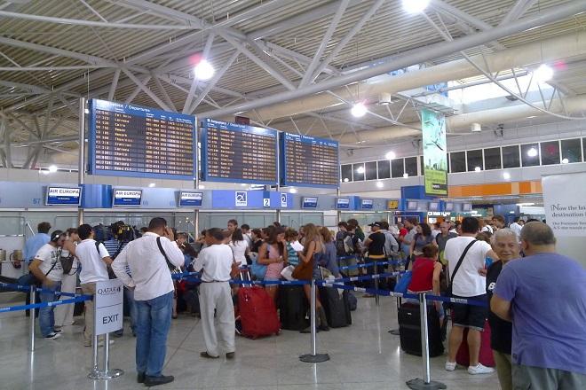 Αυτός είναι ο αριθμός των Ελλήνων που έχει εγκαταλείψει τη χώρας σύμφωνα με έκθεση της ΤτΕ