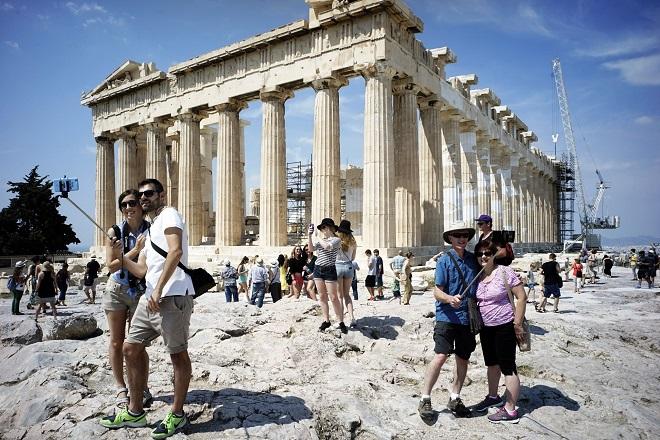 Η ανάπτυξη του κλάδου του τουρισμού στο επίκεντρο της συνάντησης της διοίκησης της Eurobank με τον ΣΕΤΕ