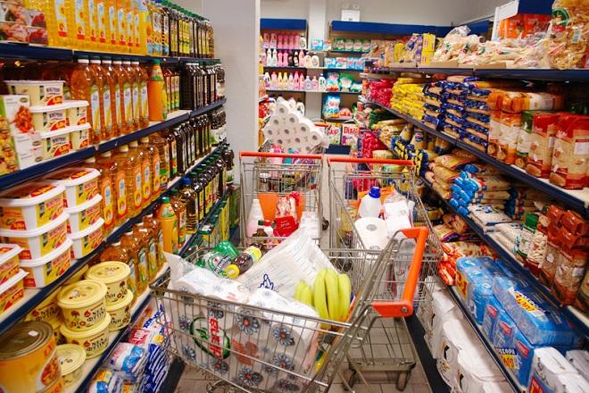 Στροφή των Ελλήνων στις αγορές με τη χρήση πλαστικού χρήματος και μέσω e-shop