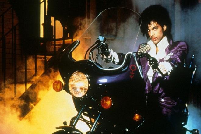 Σε δημοπρασία αντικείμενα του Prince