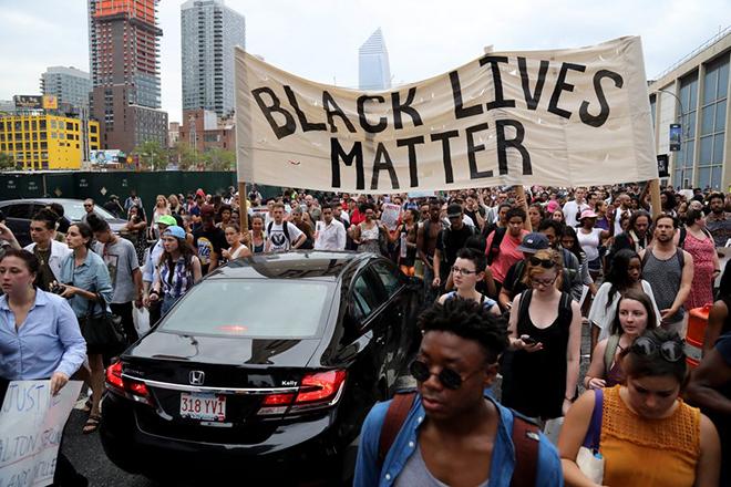 Η αντίδραση των Google και Facebook στα κρούσματα αστυνομικής βίας στις ΗΠΑ