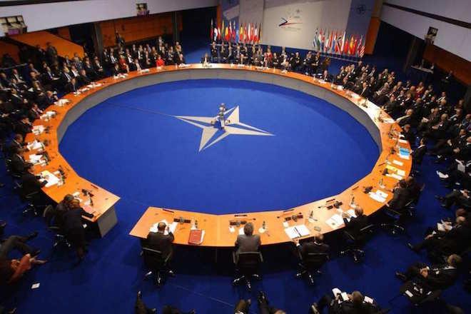Στους 29 αντιπροσώπους του ΝΑΤΟ εστάλη το πρωτόκολλο εισδοχής της ΠΓΔΜ στη Βορειοατλαντική Συμμαχία