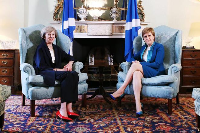 Η πρώτη μεγάλη αποστολή της Τερέζα Μέι πριν το Brexit