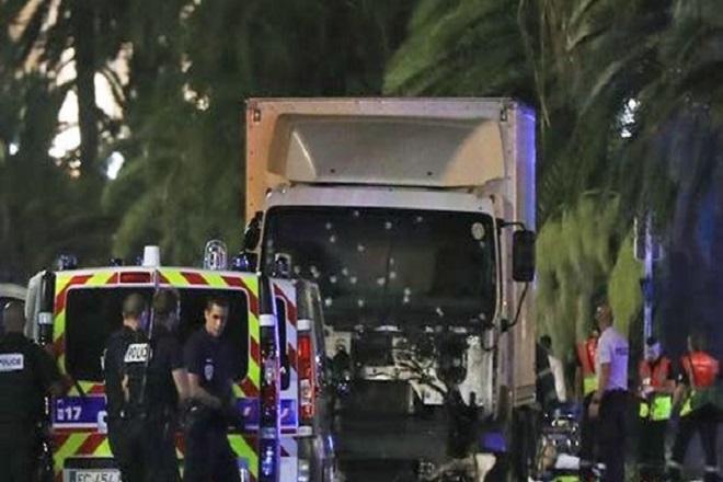 Ντοκουμέντο: Η στιγμή που σκοτώνουν τον μακελάρη της Νίκαιας στη Γαλλία