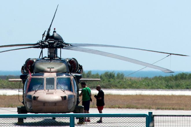 Στρατιωτικό ελικόπτερο της Τουρκίας στην Αλεξανδρούπολη – Άσυλο ζητά το πλήρωμά του