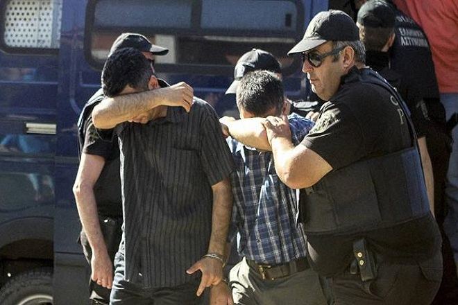 Ανατροπή στις κατηγορίες των οκτώ στρατιωτών από την Εισαγγελία
