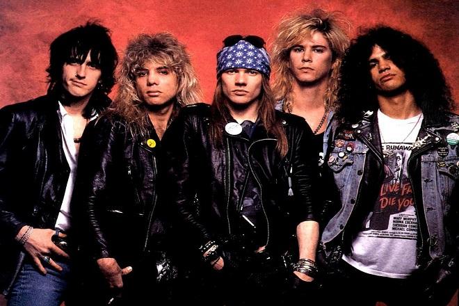 Σε μπελάδες οι Guns N' Roses εξαιτίας ενός…όπλου!