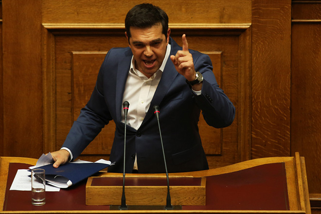 Βίντεο: Τα θερμά επεισόδια της Βουλής στη συζήτηση για τον εκλογικό νόμο