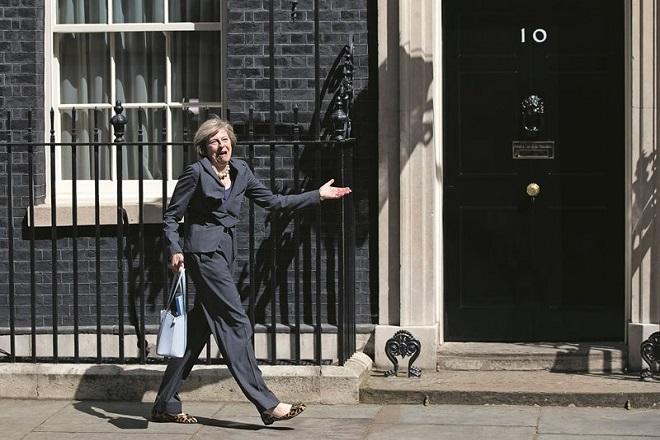 Τερέζα Μέι: «Τέλος» στην ελεύθερη μετακίνηση Ευρωπαίων πολιτών στη Βρετανία