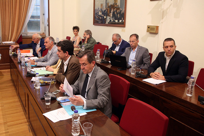 Απίστευτοι διάλογοι στη βουλή: «Καλά κάναμε και κλείσαμε την ΕΡΤ με τα φερέφωνα του ΣΥΡΙΖΑ»