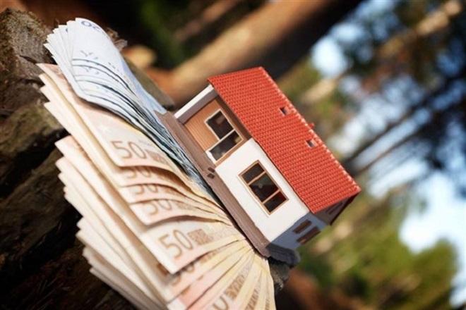 Έρευνα: Πού «καταλήγει» το μισό εισόδημα των νοικοκυριών
