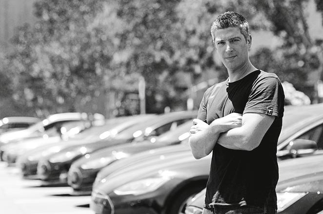 Ο «Προμηθέας» της Tesla Motors: Ποιος είναι ο Έλληνας επικεφαλής μηχανικός της εταιρείας