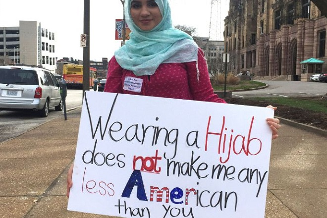Η απάντηση των Αμερικανίδων μουσουλμάνων στις προσβολές του Ντόναλντ Τραμπ