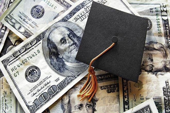 Ποιος τεχνολογικός κολοσσός προσφέρει φοιτητικά δάνεια με έκπτωση