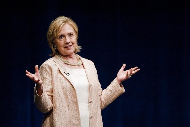 Χίλαρι Κλίντον:Το FBI και οι Ρώσοι χάκερ ευθύνονται για την ήττα μου