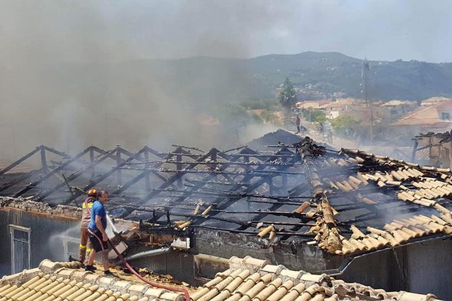 Η Λευκάδα μετρά τις πληγές της μετά την καταστροφική πυρκαγιά