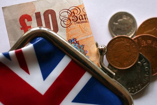 Aυξημένοι 10% οι μισθοί των επικεφαλής στις επιχειρήσεις της Βρετανίας το 2015