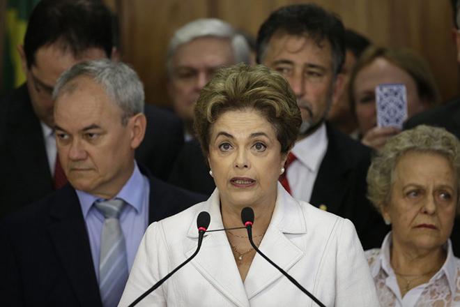 Η Γερουσία της Βραζιλίας παραπέμπει σε δίκη την Ντίλμα Ρούσεφ