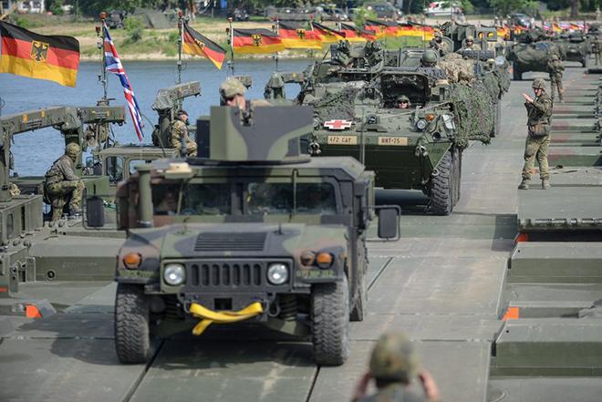 DW: Έλληνες οπλίτες στον γερμανικό στρατό;