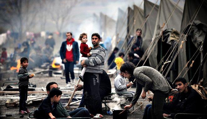Διαψεύδει η κυβέρνηση τα περί μεταφοράς προσφύγων από τη Γερμανία στην Κρήτη