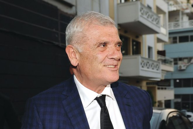 Super Deal 100 εκατ. δολαρίων για τον Δημήτρη Μελισσανίδη