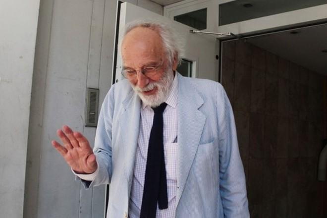 Αποσύρεται ο Λυκουρέζος από την υπεράσπιση του 77χρονου