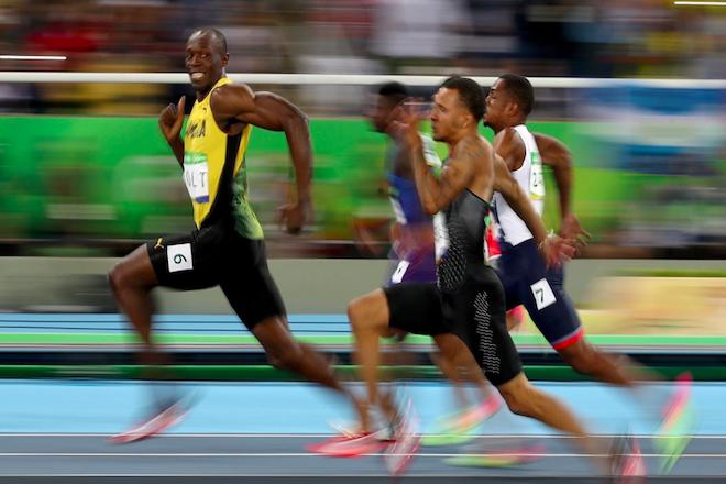 Αεικίνητος και άπιαστος ο Μπόλτ – Χρυσό και στα 200 μ.