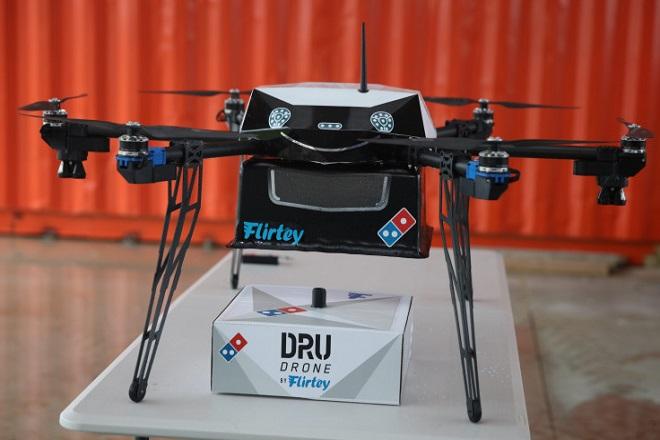 Πλέον θα παραλαμβάνετε την πίτσα σας με…drone!