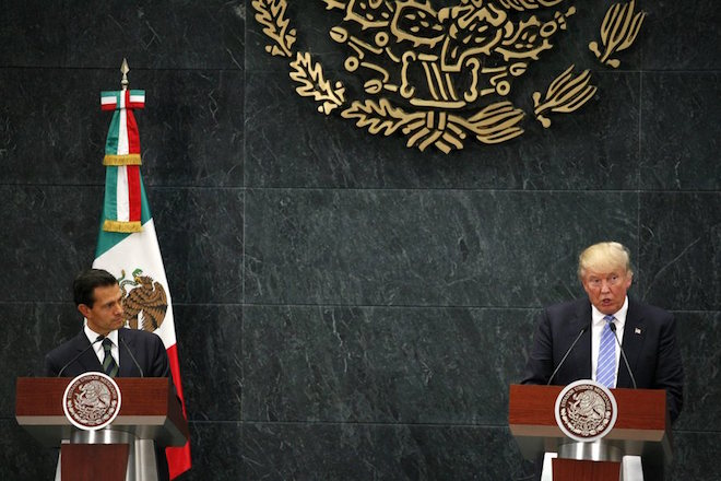 Τραμπ και Πένια Νιέτο συναντήθηκαν, συζήτησαν για το τείχος και μετά τα «γύρισαν»