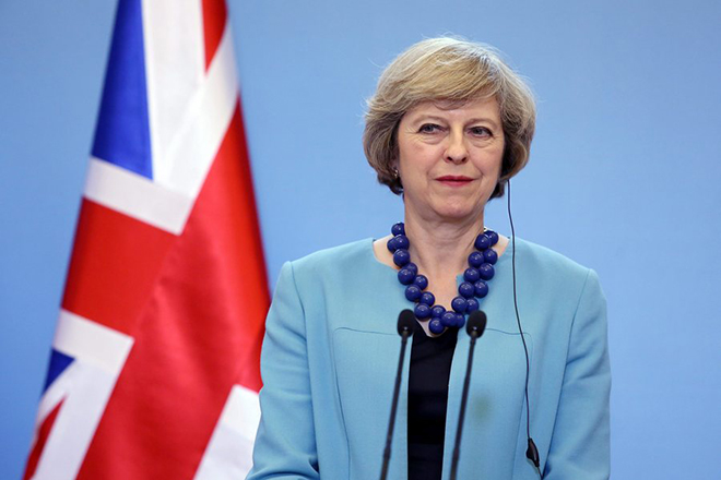 Παραδοχή της Τερέζα Μέι: Η βρετανική οικονομία θα πληγεί από το Brexit