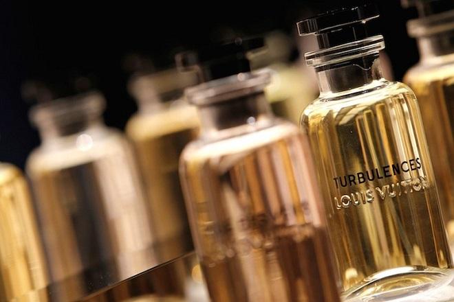Γιατί η Louis Vuitton προσπαθεί να «αλλάξει» το αγοραστικό της κοινό