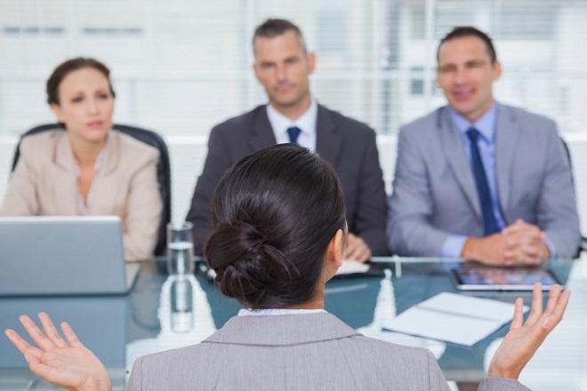 Νιώθετε ευάλωτος στη δουλειά; Πώς θα το ξεπεράσετε