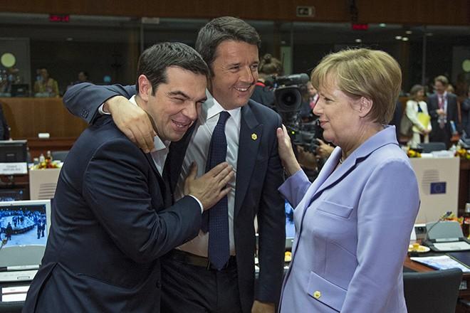 FAZ: Σύγκρουση Ιταλίας-Γερμανίας για τα «μάτια» του Τσίπρα