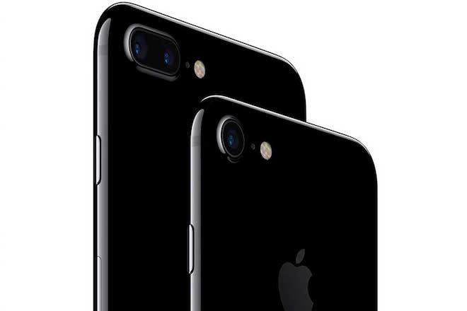 Τα iPhone 7 ξεπούλησαν