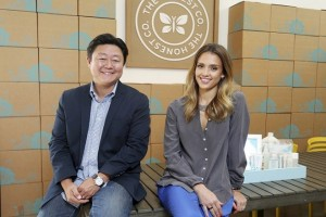 Brian Lee, an entrepreneur, and actress Jessica Alba at the offices of The Honest Company, Alba's start-up that sells eco-friendly baby supplies, in Santa Monica, Calif., Oct. 9, 2012. Lee has been joining with the famous to get the name recognition any new site needs to get moving, but the subscription model in online shopping may be wavering. (J. Emilio Flores/The New York Times)