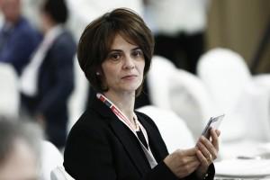 "H εκπρόσωπος του Διεθνούς Νομισματικού Ταμείου στον Μηχανισμό Στήριξης της Ελλάδας, Ντέλια Βελκουλέσκου, παρευρίσκεται στο συνέδριο του  Economist ""20th Roundtable with the Government of Greece"" με θέμα ""Europe: Shaken and Stirred? Greece: A Skillful Acrobat?"" στο ξενοδοχείο Grand Resort στο Λαγονήσι, Πέμπτη 23 Ιουνίου 2016.  ΑΠΕ-ΜΠΕ/ΑΠΕ-ΜΠΕ/ΓΙΑΝΝΗΣ ΚΟΛΕΣΙΔΗΣ ΑΠΕ-ΜΠΕ/ΑΠΕ-ΜΠΕ/ΓΙΑΝΝΗΣ ΚΟΛΕΣΙΔΗΣ"