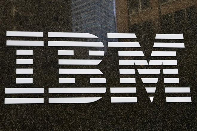 epa05110980 (FILE) A file photo dated 19 November 2013 showing an IBM sign in New York, USA. IBM, the business and computer giant, is to release their 4th quarter results on 19 January 2016.  EPA/JASON SZENES