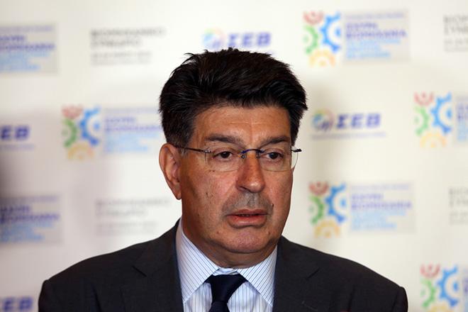 Ο πρόεδρος του ΣΕΒ Θεόδωρος Φέσσας  στη σημερινή συνέντευξη τύπου ενόψει της διοργάνωσης του Βιομηχανικού Συνεδρίου, στις 23-24 Μαΐου με θέμα: «Η Ελλάδα πέρα από την κρίση: Ισχυρή βιομηχανία για καινοτομία, ανάπτυξη και δουλειές», Τετάρτη 18 Μαϊου 2016. ΑΠΕ - ΜΠΕ/ΑΠΕ - ΜΠΕ/Αλέξανδρος Μπελτές