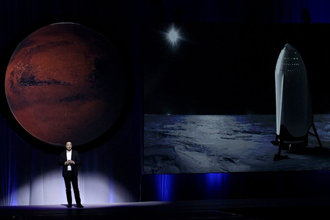 epaselect epa05559459 South African physicist, inventor, and SpaceX founder Elon Musk addresses the press during the 67th International Astronautics Congress in Guadalajara, Mexico, 27 September 2016. During the presentation, Musk outlined his plan to design spacecraft to aid in the human colonization of the planet Mars within 40 to 100 years.  EPA/ULISES RUIZ BASURTO