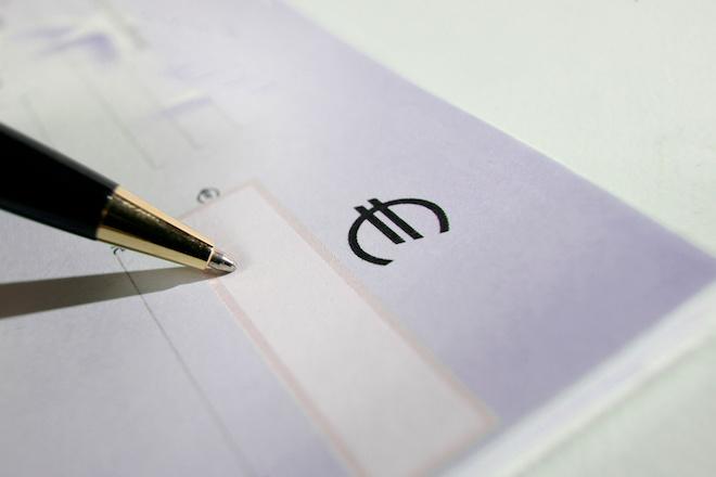 Carnet de Chèque et stylo