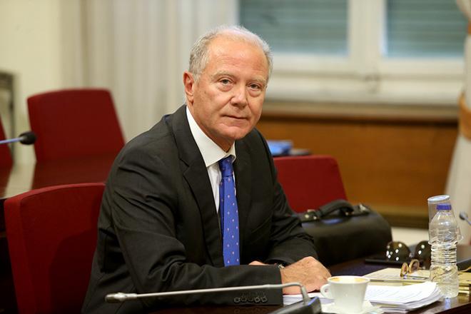 Ο πρώην διοικητής της Τράπεζας της Ελλάδος Γεώργιος Προβόπουλος καταθέτει στην Εξεταστική Επιτροπή της Βουλής για τη διερεύνηση της νομιμότητας της δανειοδότησης των πολιτικών κομμάτων, καθώς και των ιδιοκτητριών εταιρειών μέσων μαζικής ενημέρωσης από τα τραπεζικά ιδρύματα της χώρας ,  Τρίτη 4 Οκτωβρίου 2016 . ΑΠΕ-ΜΠΕ/ΑΠΕ-ΜΠΕ/Παντελής Σαίτας
