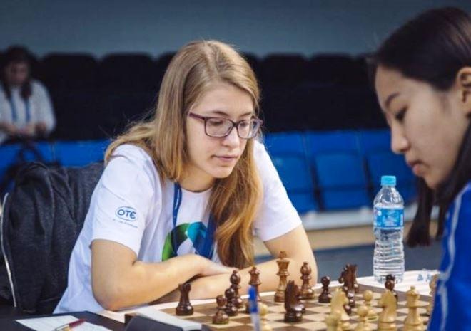 Το δικό μας παιδί θαύμα: Παγκόσμια πρώτη στο σκάκι η 16χρονη Σταυρούλα!