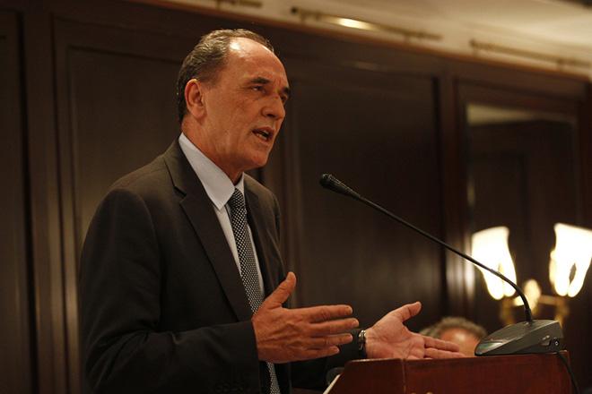 Σταθάκης: Θα επιλυθούν άμεσα όλα τα θέματα εμπορικής ονομασίας με την ΠΓΔΜ