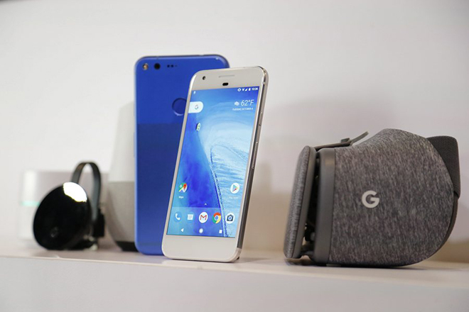 epa05570300 Google Pixel phone, Google Home, and Google Daydream View on display after they were introduced at a Google product event in San Francisco, California, USA, 04 October 2016.  EPA/JOHN G MABANGLO