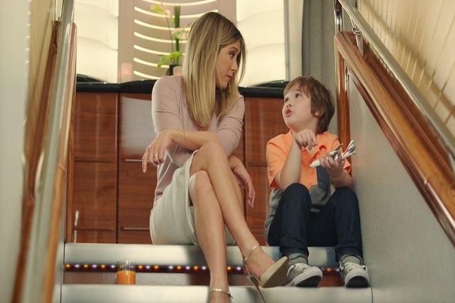 Οι νέες περιπέτειες της Jennifer Aniston στην τελευταία καμπάνια της Emirates